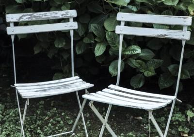 Grenier-LAtelier-des-Etoiles-33-Chaises-jardin